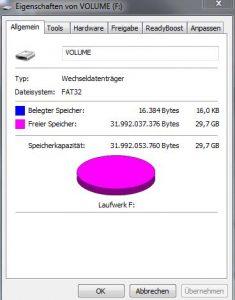 Der USB-Stick wird wieder in der vollen Größe angezeigt